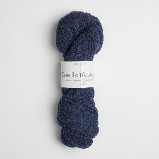 Lammeull, kardegarn-medium 50g - 153 Dypblå
