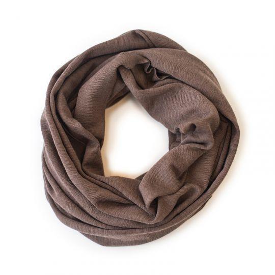Rundsjal i ull med silke Nøttebrun