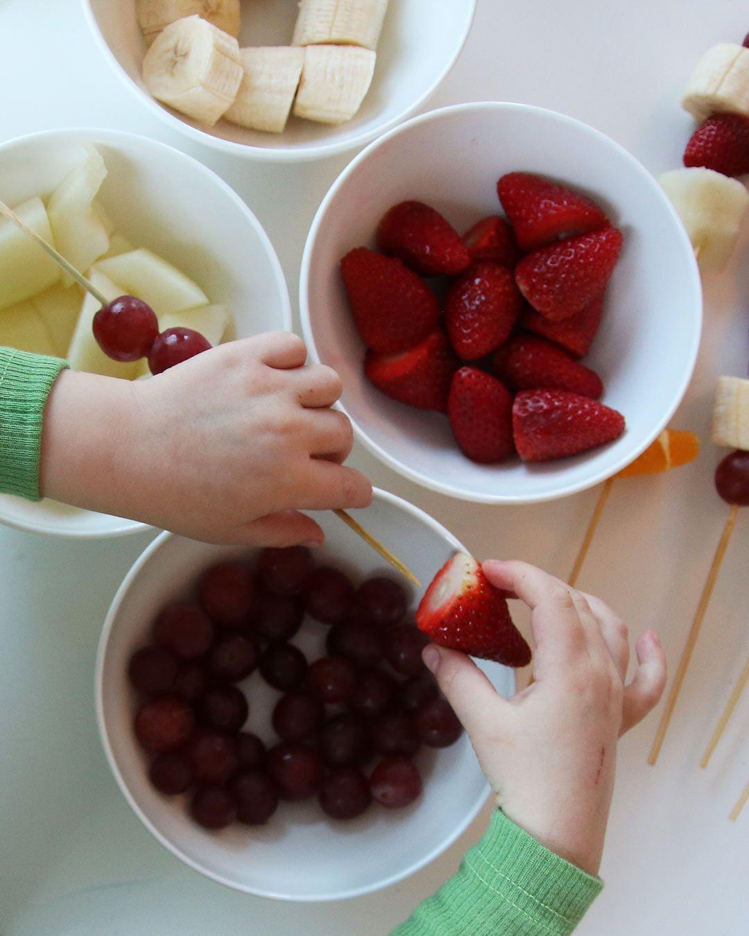 Lag fruktspyd til mor!